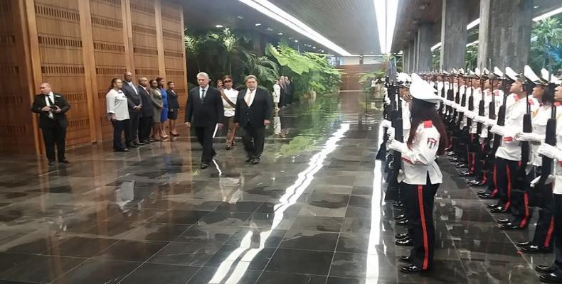 Ceremonia de bienvenida a Ralph Gonsalves en el Palacio de la Revolución. Foto:Dayani Haro(RR)