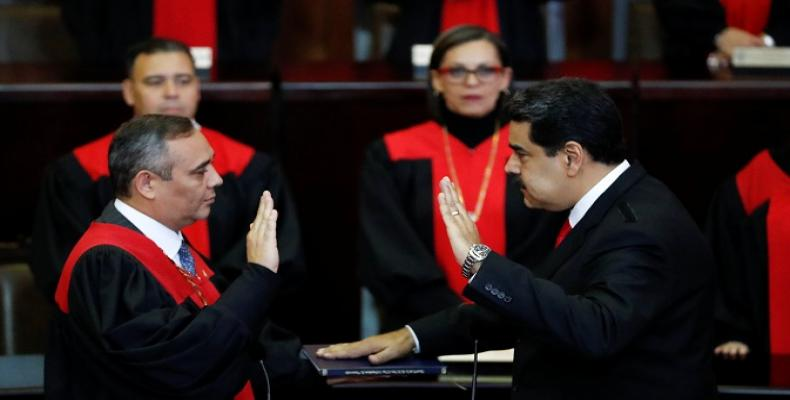 Venezuelan President takes oath of office for new term.  Photo: teleSUR