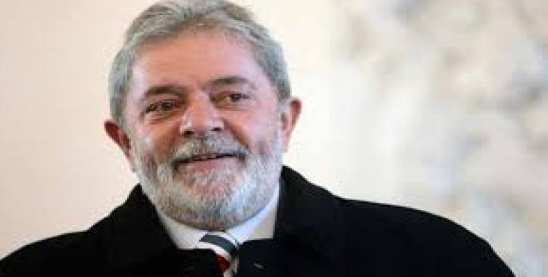 Lula es el candidato del pueblo, y a pesar de guardar prisión sigue creciendo el apoyo de los brasileños. Foto: Archivo