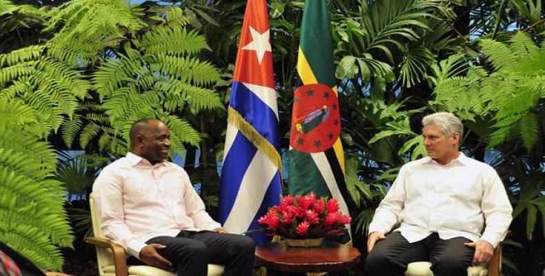 Recibió Díaz-Canel al Primer Ministro de la Mancomunidad de Dominica. Fotos: Estudios Revolución.