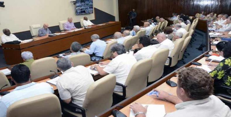 El presidente cubano afirmó que se trabaja para disminuir las afectaciones. Foto: PL