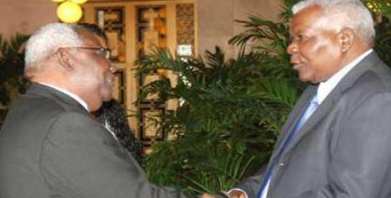 Seif Ali Iddi and  Esteban Lazo. Prensa Latina Photo