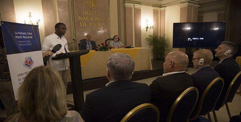 Sur la photo, Ruben Ramos, vice-président de la Chambre de Commerce de Cuba à l'ouverture du Forum