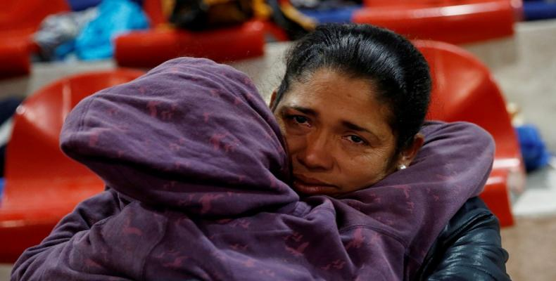 Migrant caravanistas launch hunger strike at U.S. border with Mexico.  Photo: AP