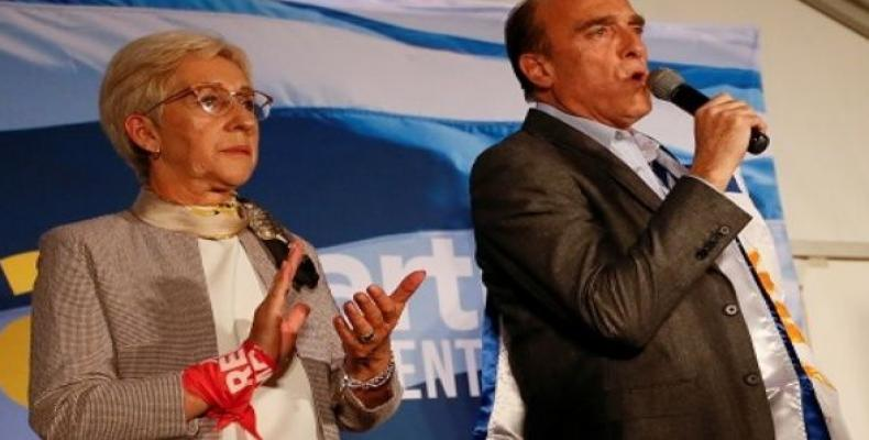Uruguay's presidential candidate Daniel Martinez and his Vice President candidate Graciela Villar. (Photo: Reuters)