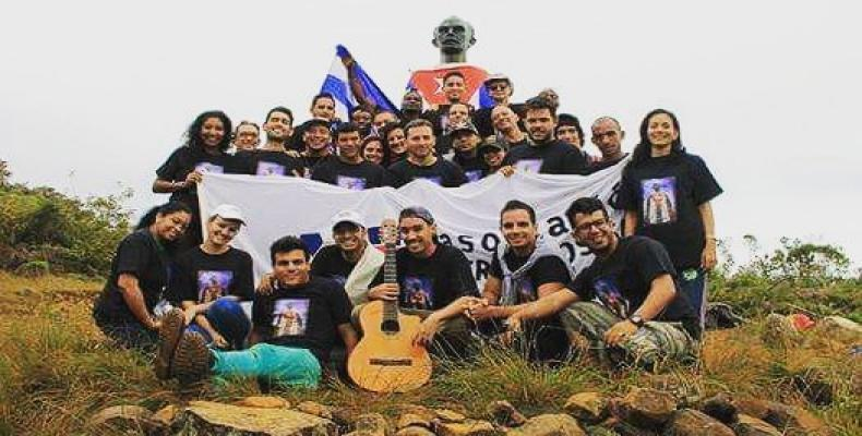 Young Cuban artists at the Turquino Peak