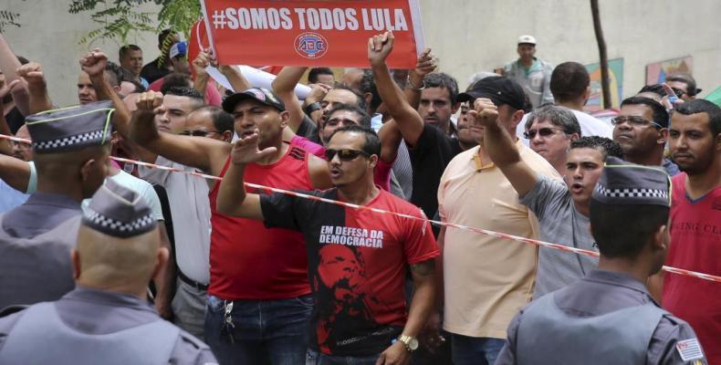 Protestas en Brasil tras la detención de Lula (imágen de www.laopiniondezamora.es)