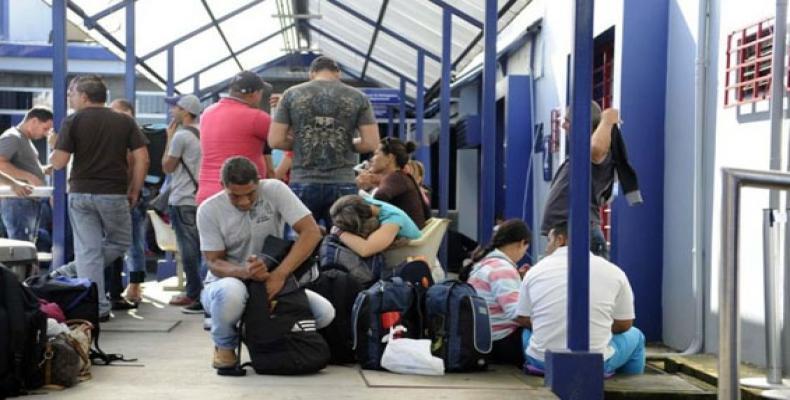 Migrantes cubanos varados en Costa Rica.
