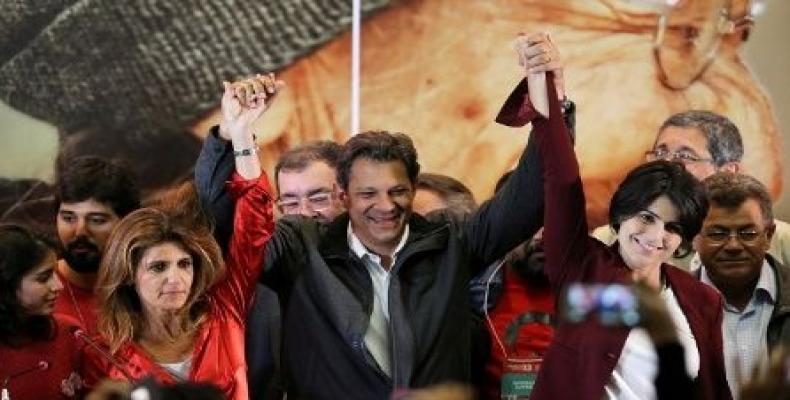Haddad says Brazil's democracy at risk if Bolsonaro elected.  Photo: teleSUR