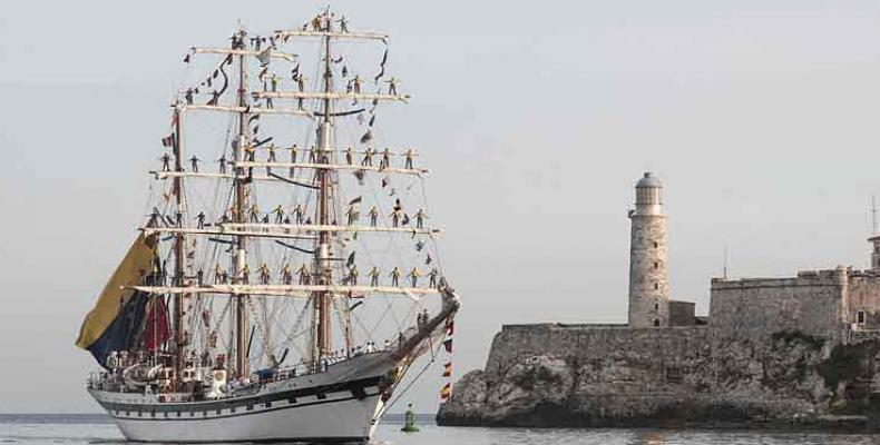 El velero es conocido como 'el embajador sin fronteras', por el mensaje cultural y de paz que lleva a diferentes latitudes. Fotos: Jorge Pérez/PL