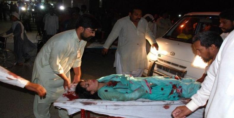 Niña herida durante masacre terrorista en un parque de Lahore, en Pakistán (AFP)