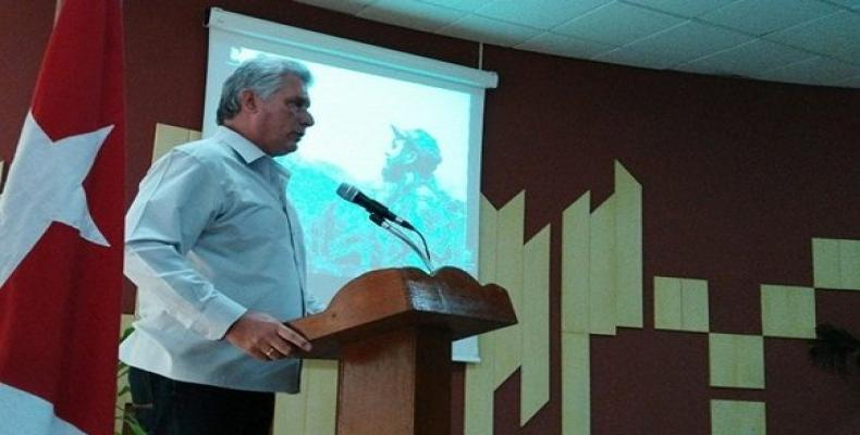 Díaz-Canel systematically checks the process of computerization of society  (Photo: Archive)