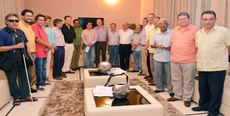Delegaciones de las Farc-Ep y el gobierno colombiano. Foto tomada de Cubadebate