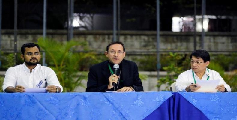 Au centre, Mgr Stanislaw Sommertag, nonce apostolique au Nicaragua. Photo tirée de Vatican News.