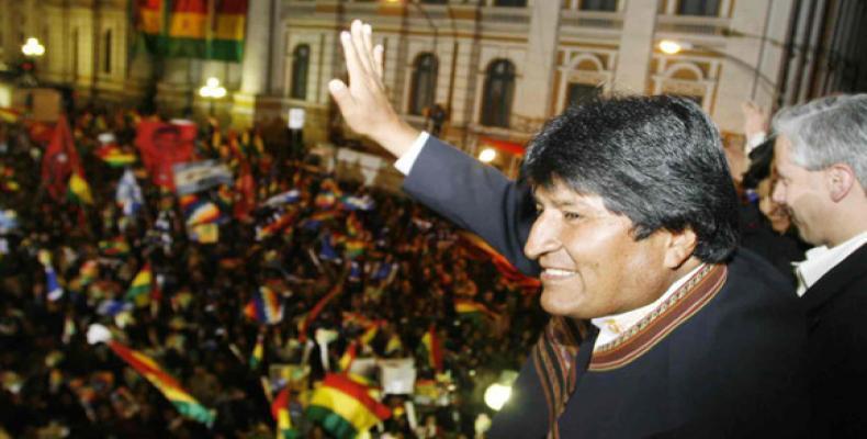 Evo Morales y Álvaro García Linera en acto popular
