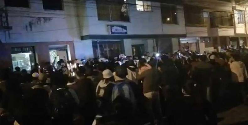 "The Venezuelan community in Ecuador denounces the ""Night of Broken Glass"" in which Ecuadorians pursued Venezuelans throughout the streets of the city"