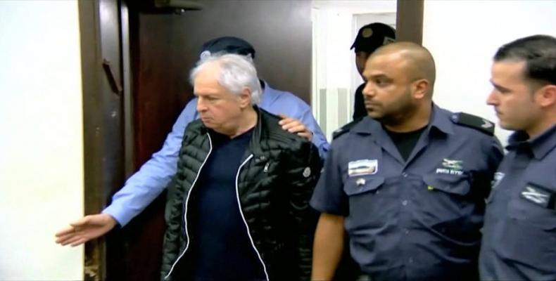 Members of Israeli prime minister's inner circle arrested on corruption charges.  Photo: AP