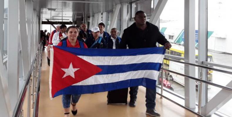 La delegación cubana contagia a todos con su alegría. Foto: Lissy Rodríguez/Granma