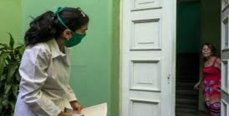 """Cuban medical university students doing door-to-door """"active inquiries,"""" looking for persons who may have had contact with confirmed Covid-19 cases"""