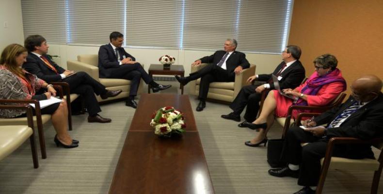 Reunión con Pedro Sánchez, Presidente de España. Foto/ Granma
