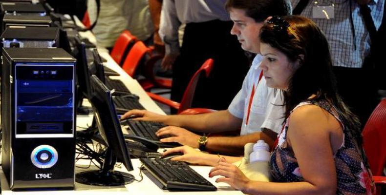 jovenes periodistas.Archivo