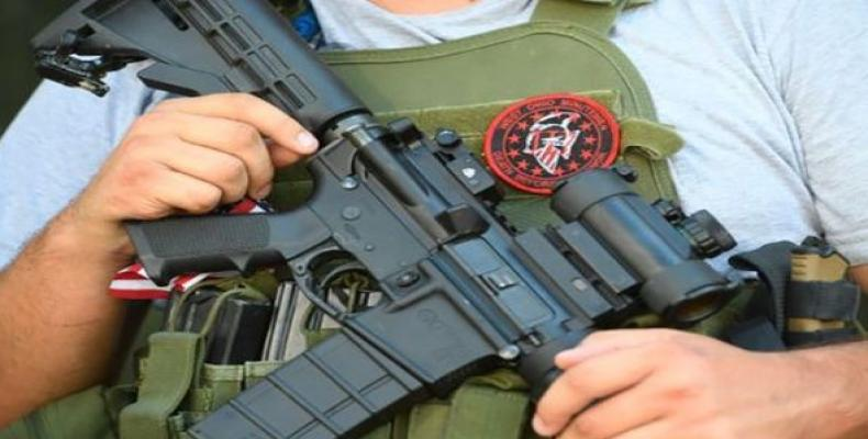 Minutemen o civiles armados