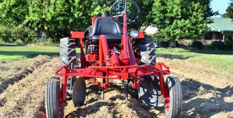 La compañía Cleber LLC, será la encargada de fabricar los tractores. Foto: TeleSur