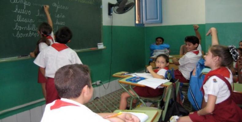 El estudio de la vida y obra de José Martí y el pensamiento de Fidel Castro serán permanentes en las escuelas cubanas. Foto: Archivo