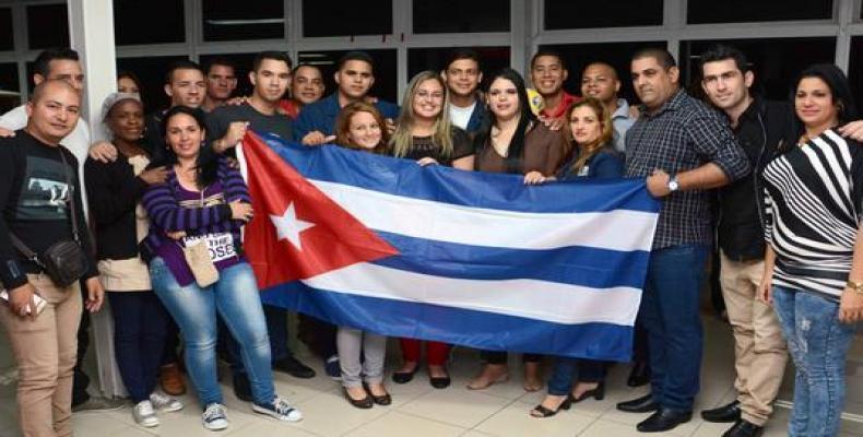 El presidente cubano recibió a la delegación que que participó en la VIII Cumbre de las Américas.Imágen:Internet.