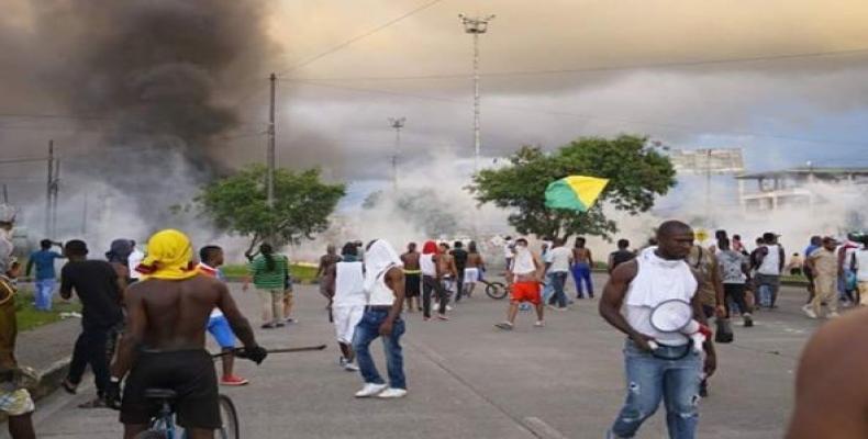 Reprimer paro civica en Buenaventura, Colombia