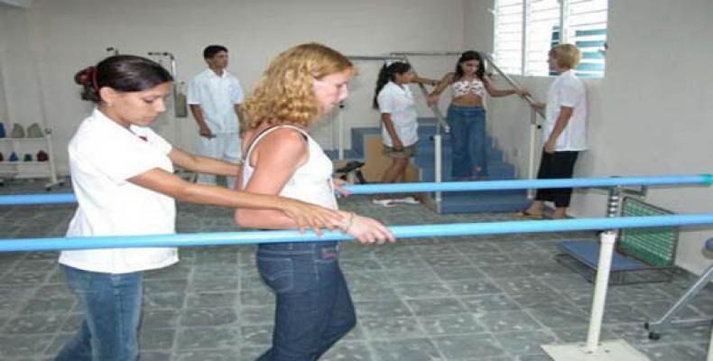 Cuba cuenta con más de 600 servicios de rehabilitación que elevan el estado de salud del pueblo. Foto: Archivo