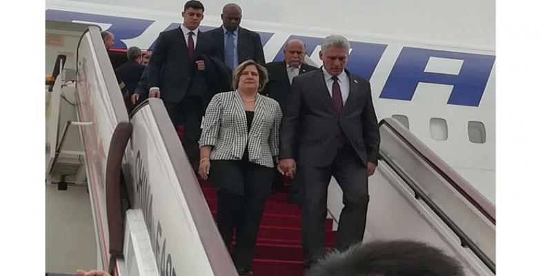 Alvenas la kuba prezidento al Ĉinio