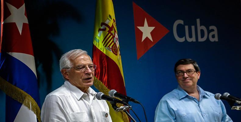 En la sede del Minrex, Borrell (I) y Rodríguez (D) ofrecen declaraciones a la prensa. Foto: Abel Padrón Padilla/ Cubadebate.