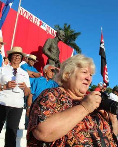 Aleida valoró de trascendental la participación de los jóvenes que respaldan el proyecto socialista de la Revolución cubana. Foto: Raúl García Álvarez