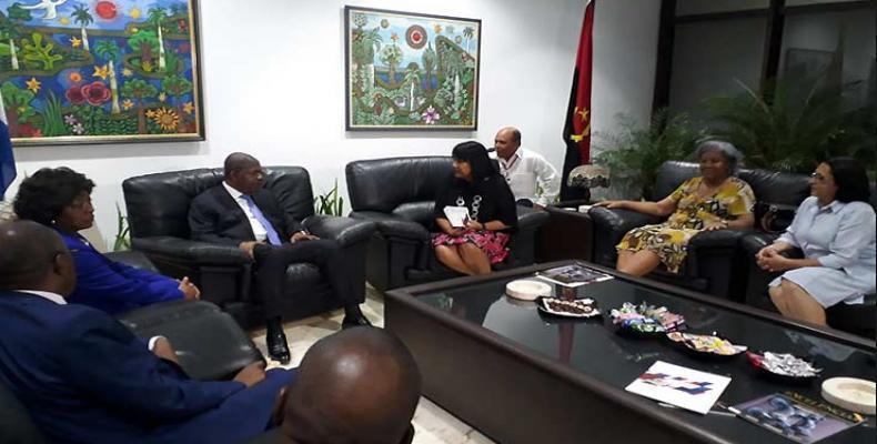 Le président angolais a été accueilli dimanche à l'aéroport international de La Havane par Anayansi Rodríguez, vice-ministre cubaine des Affaires étrangères.