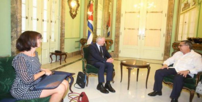 Cuban Deputy Foreign Minister Marcelino Medina González met Tuesday in Havana with Robert Keating. Photo: Cubaminrex