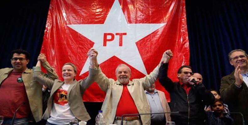 El Partido de los Trabajadores de Brasil reafirmó este lunes que Luiz Inácio Lula da Silva continúa siendo su aspirante a la Presidencia de la República.Foto:In