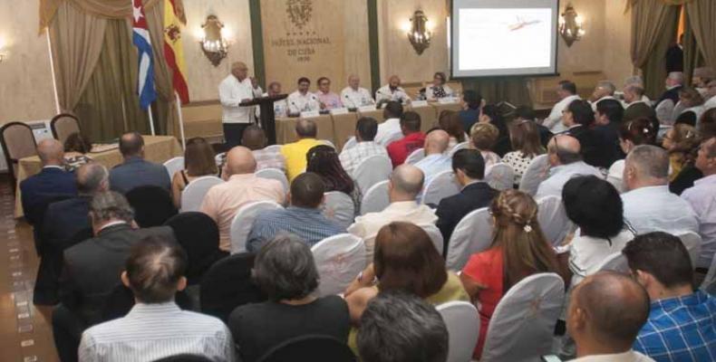 Los hombres de negocio participaron en la apertura de la XXII Sesión del Comité Empresarial Cuba España, que culminó este viernes en el Hotel Nacional.Foto:PL.