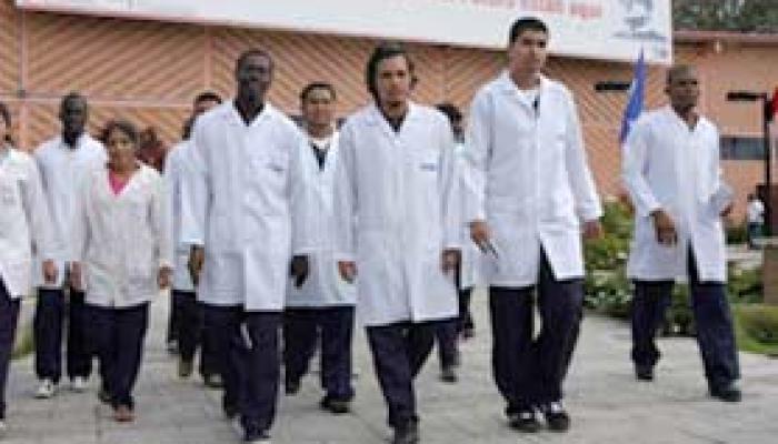 Estudiantes de Ciencias Médicas, de diversas latitudes. Foto: Archivo