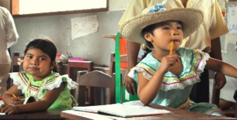 UN report shows Bolivia leads Latin America in economic growth.  Photo: teleSUR