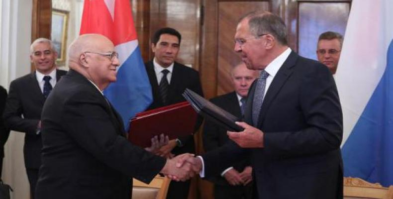 Cabrisas (Ieft) and Lavrov (right) described bilateral relations as excellent (Cubaminrex Photo)