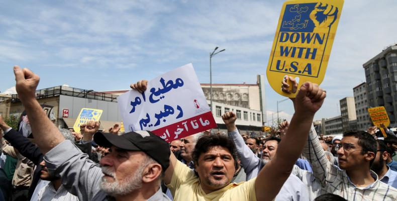 Iranians protest against US President Donald Trump's decision to walk out of a 2015 nuclear deal.  Photo: Tasnim News Agency