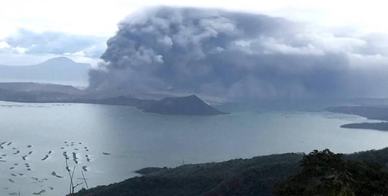 Erupsión del volcán Taal
