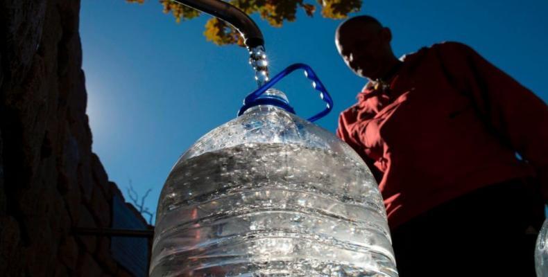 Continúan restricciones en Ciudad del Cabo para consumo de agua.Foto: T 13