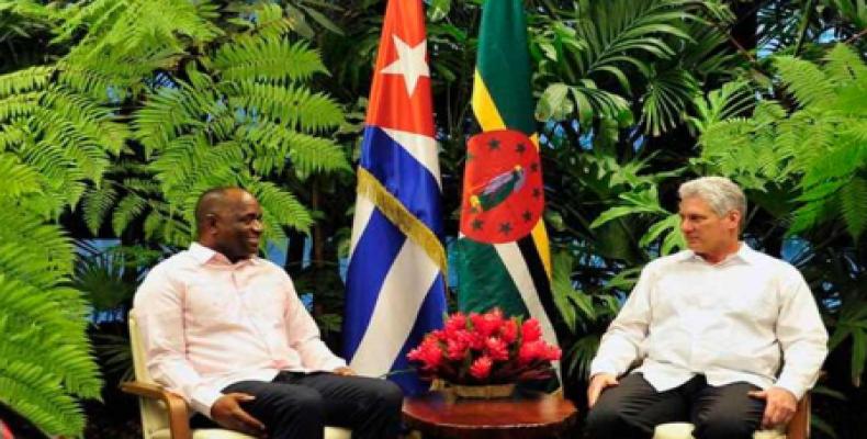 Cuban president meets with visiting prime minister of Dominica.  Photo: Estudios Revolución.