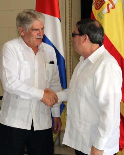 Alfonso Dastis (I) y Bruno Rodríguez (D), en La Habana. Foto: Jorge Legañoa