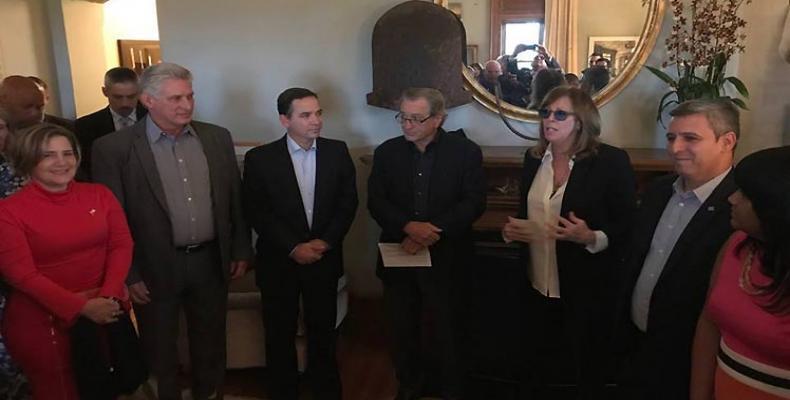 Robert De Niro, other US artists host President Diaz-Canel in New York