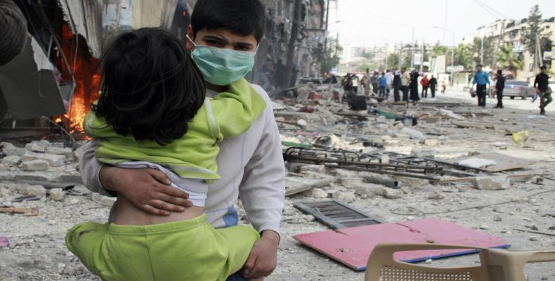 Autoridades médicas de Siria reportaron que al menos ocho personas presentaron síntomas de envenenamiento con gases tóxicos en la ciudad de Alepo