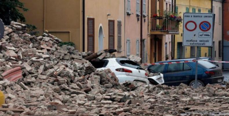 A 248 ascendió la cifra de fallecidos como resultado del terremoto que devastó la víspera extensas zonas de la región central de Italia