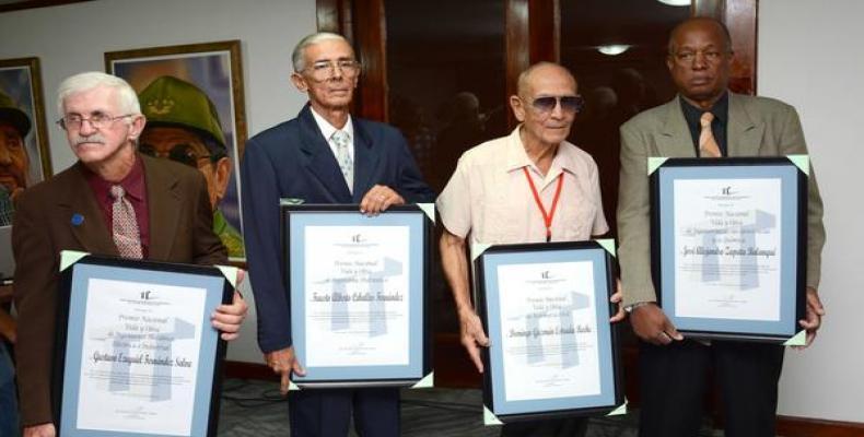 De izquierda a derecha: Gustavo Fernández Salva, Fausto A. Fernández Ceballo, Domingo